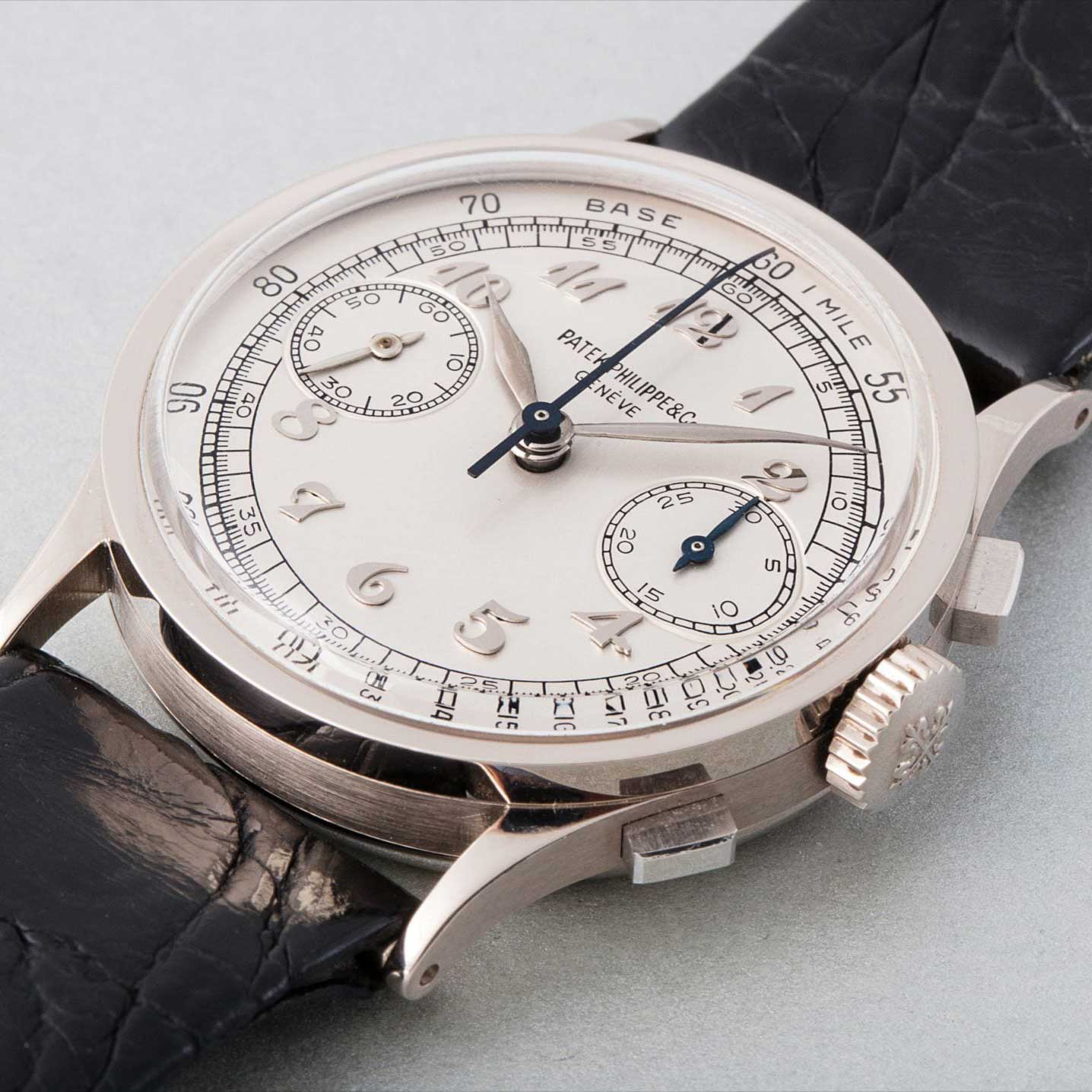 1941 Patek Philippe ref. 533 white gold chronograph with Breguet numerals (Image: phillipswatches.com)