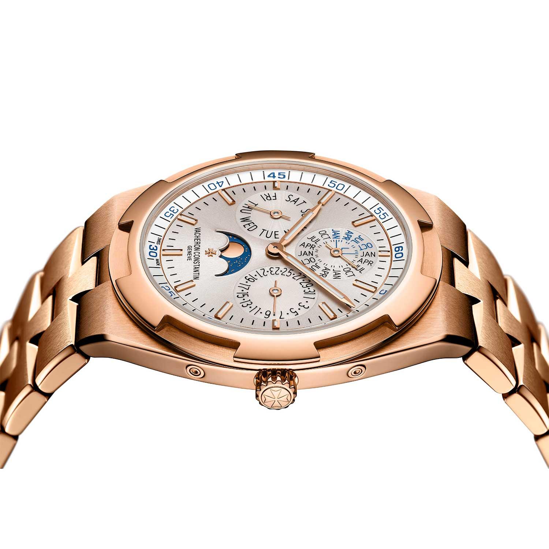 2019 Vacheron Constantin Overseas Perpetual Calendar Ultra-Thin on an integrated gold bracelet