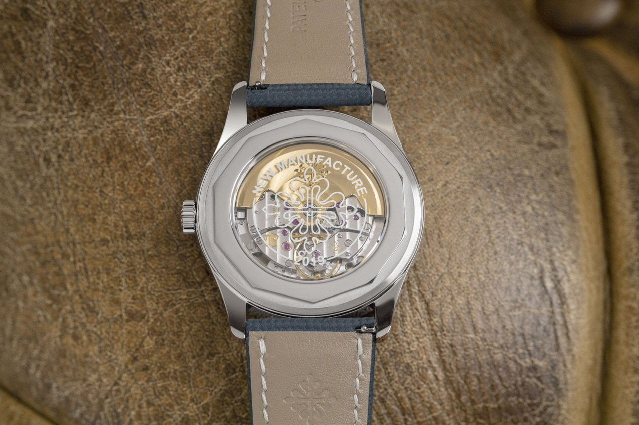 """The Calatrava cross and """"New Manufacture 2019"""" marking on the display caseback of the reference 6007A-001 Calatrava (Image © Revolution)"""