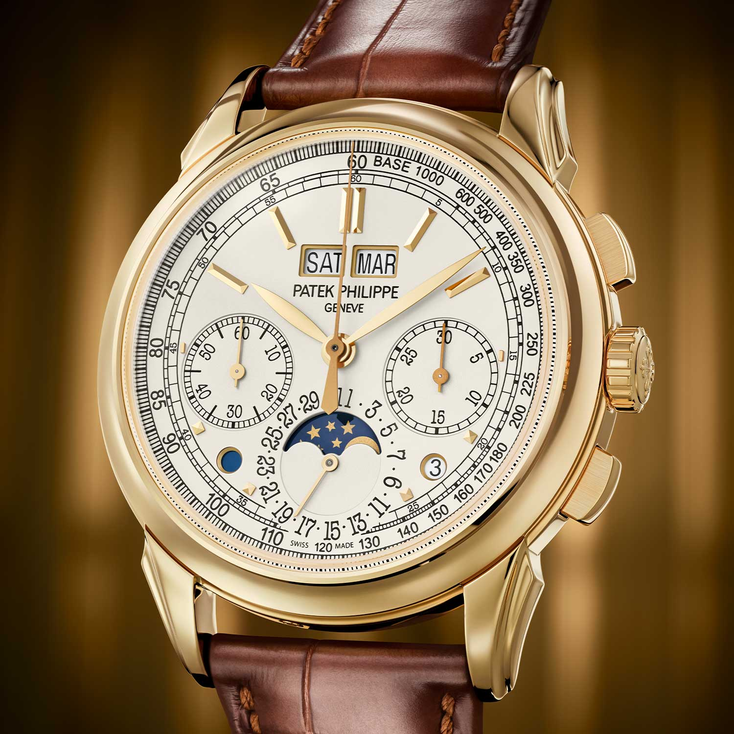 The Patek Philippe 5270 Perpetual Calendar Chronograph for the first time ever in yellow gold