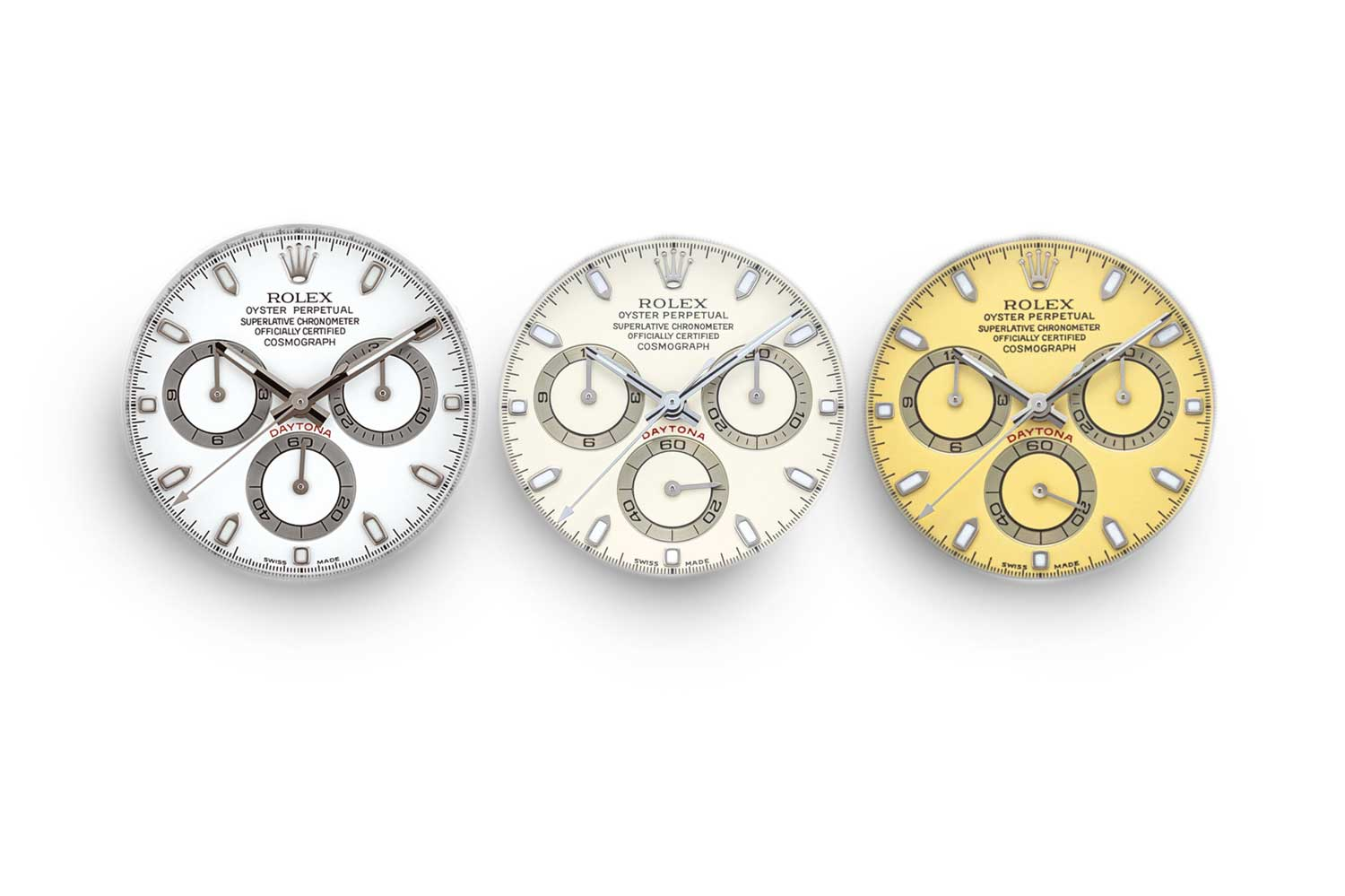 (L-R) Lot 2230 is a late Z series ref. 116520 showing no change in color, lot 2229 is a P series ref. 116520 from 2000 showing a delicate cream coloration on the dial and lastly lot 2235 is as well a P series ref. 116520 from 2000, however, with a much more pronounced yellow coloration on the dial