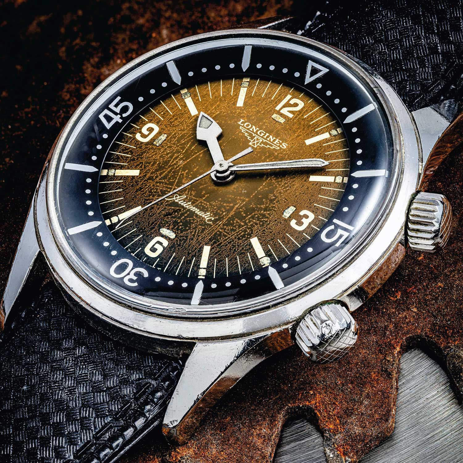Lot 2366: Longines Diver's Watch with Tropical Dial