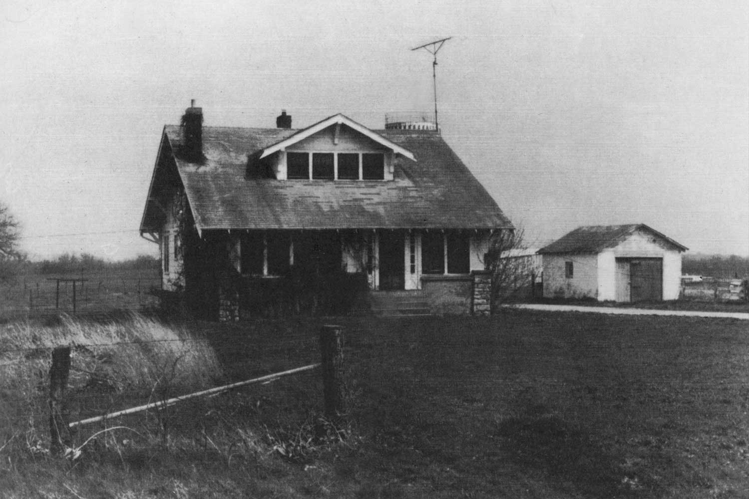 """According to biographer Marshall Terrill, """"A period photograph of the Thomson homestead on the outskirts of Slater, Missouri. The home was owned by Steve McQueen's great-uncle Claude Thomson [1873–1957], a prosperous hog farmer. Over time Claude grew to love Steve like a son, filling the role of surrogate father in the absence of the real deal."""" (Image Credit: The Slater Main Street News Collection / Courtesy of Marshall Terrill / appears in """"Steve McQueen: The Life and Legend of a Hollywood Icon"""" [2010] / medium.com)"""