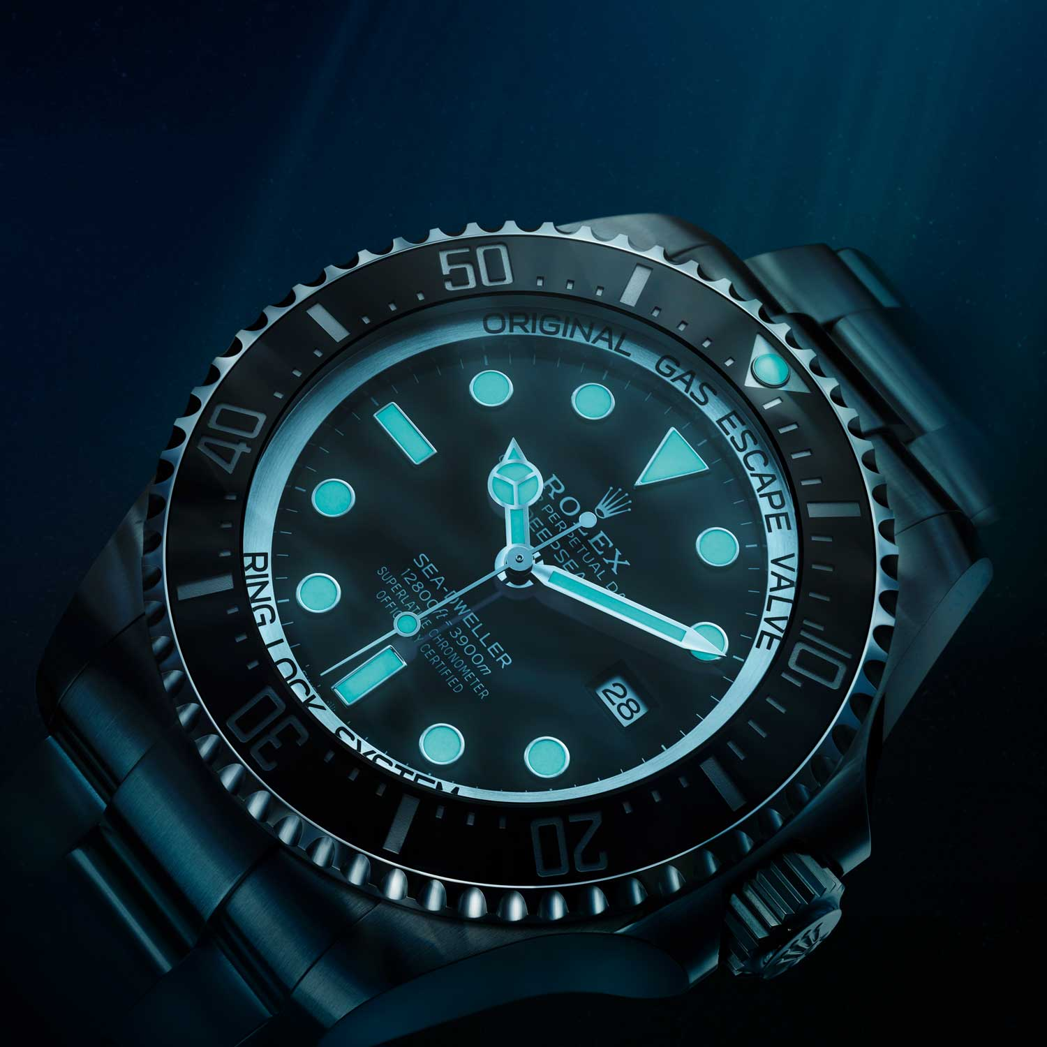 In 2008, Rolex launched the Sea-Dweller DEEPSEA ref. 116660, which featured Chromalight as Rolex's choice of lume material for the first time; Chromalight stands apart from the industry standard, SuperLuminova with its blue glow as opposed to the latter's green glow