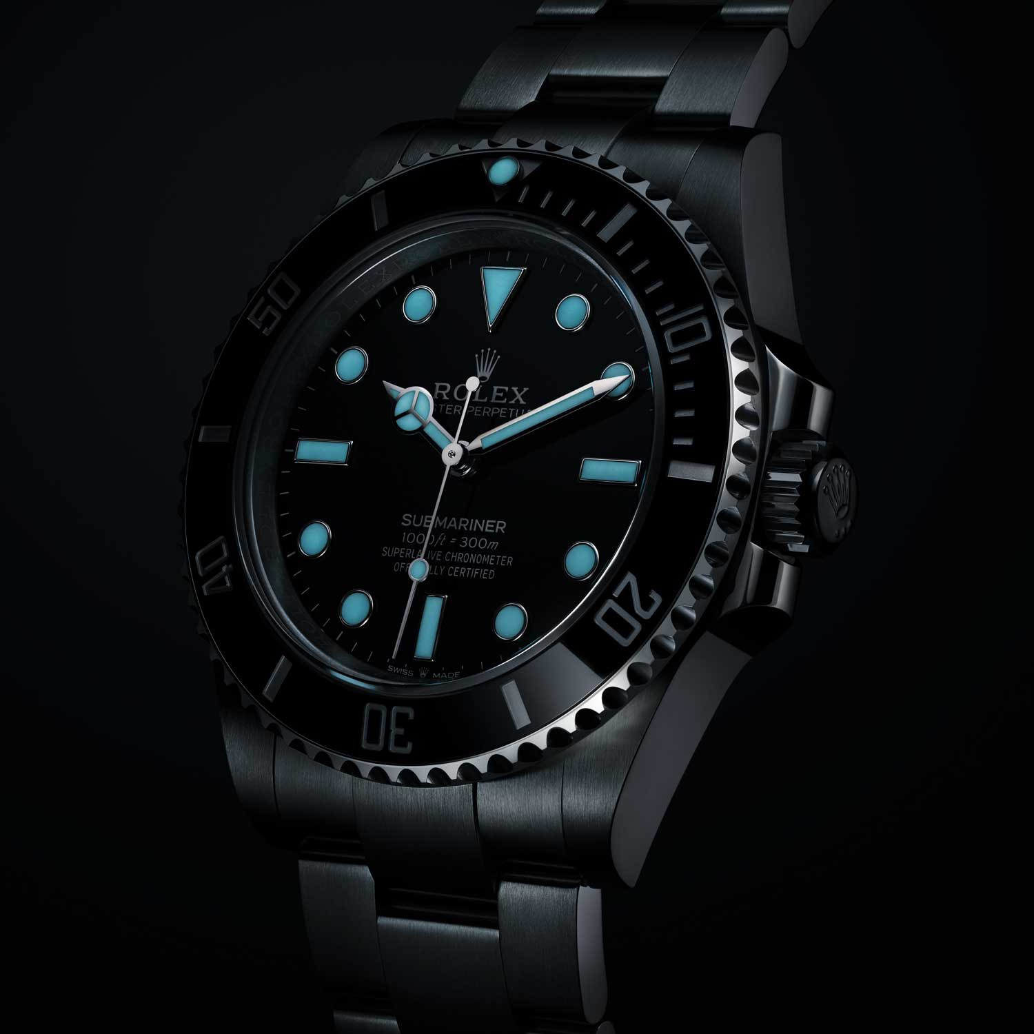 The 2020 no-date Oyster Perpetual Submariner ref. 124060 has a Maxi-style dial with its Chromalight lume contained within applied white gold