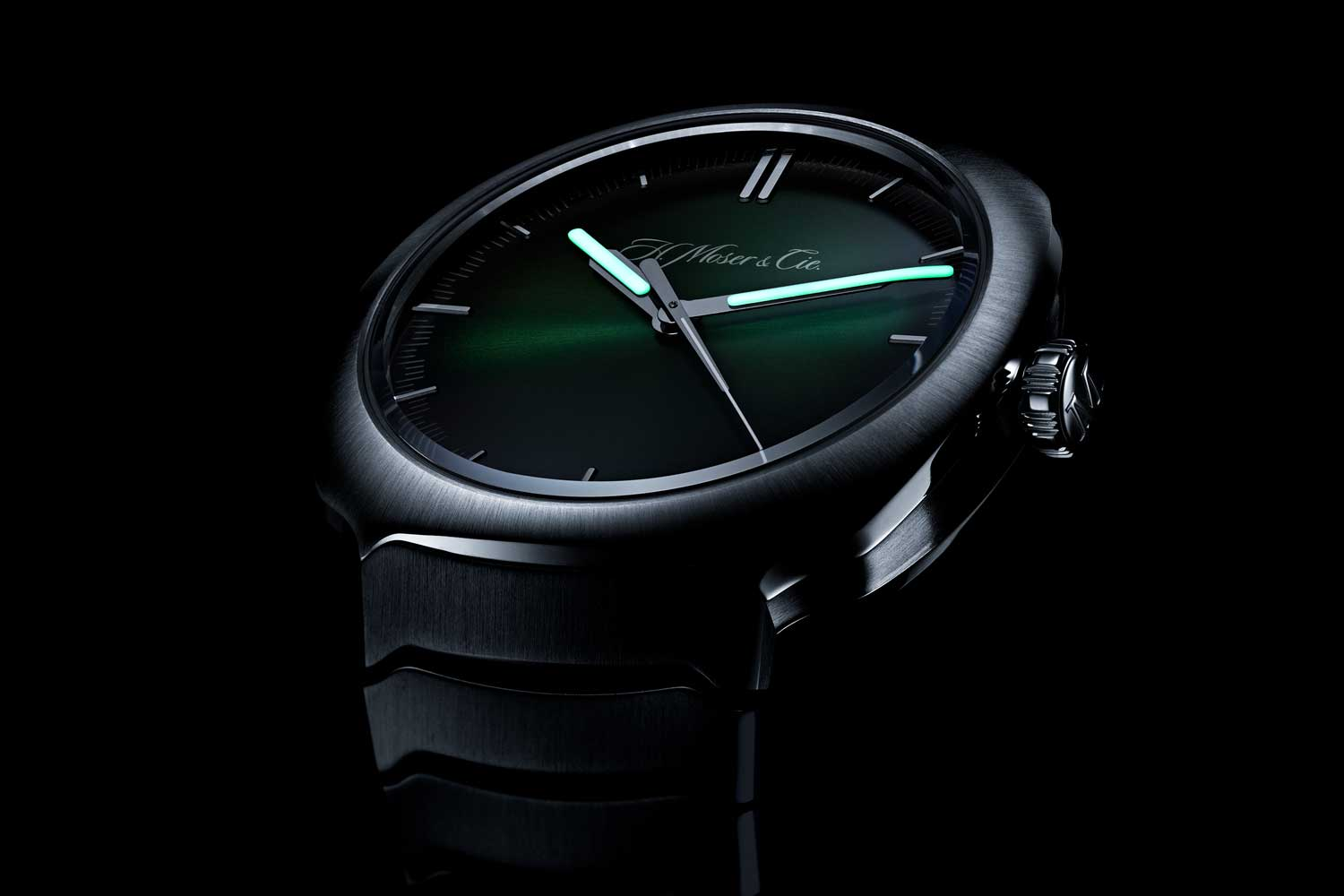 A distinctive H.Moser signature, the Matrix Green fumé dial of the Streamliner Centre Seconds is more magic than manufactured.