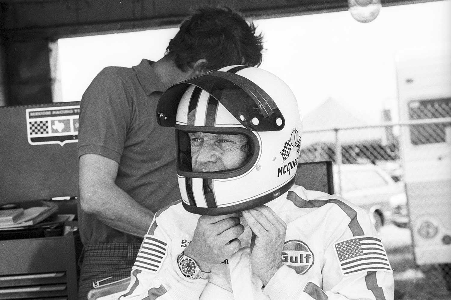Steve McQueen, 12 Hours of Sebring, Sebring, 21 March 1970. On his wrist, clear as day is the 5512 Submariner (Photo by Bernard Cahier/Getty Images)