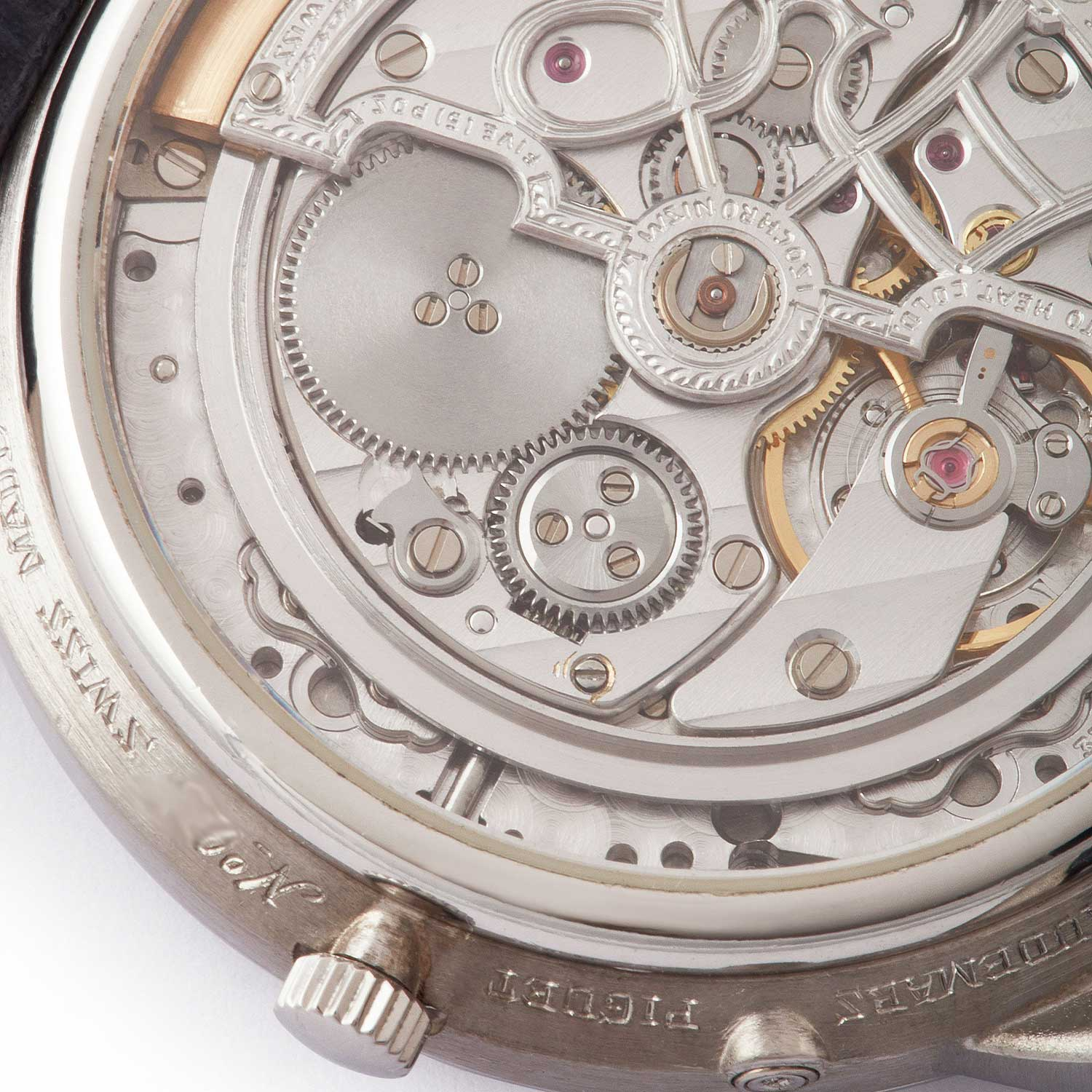 A closer look at the 25661PT's display caseback showing off an ornately decorated version of the calibre 2120/2800; note how the rotor's outter edge is recessed into the movement; the present watch was listed on A Collected Man some time ago (Image: acollectedman.com)