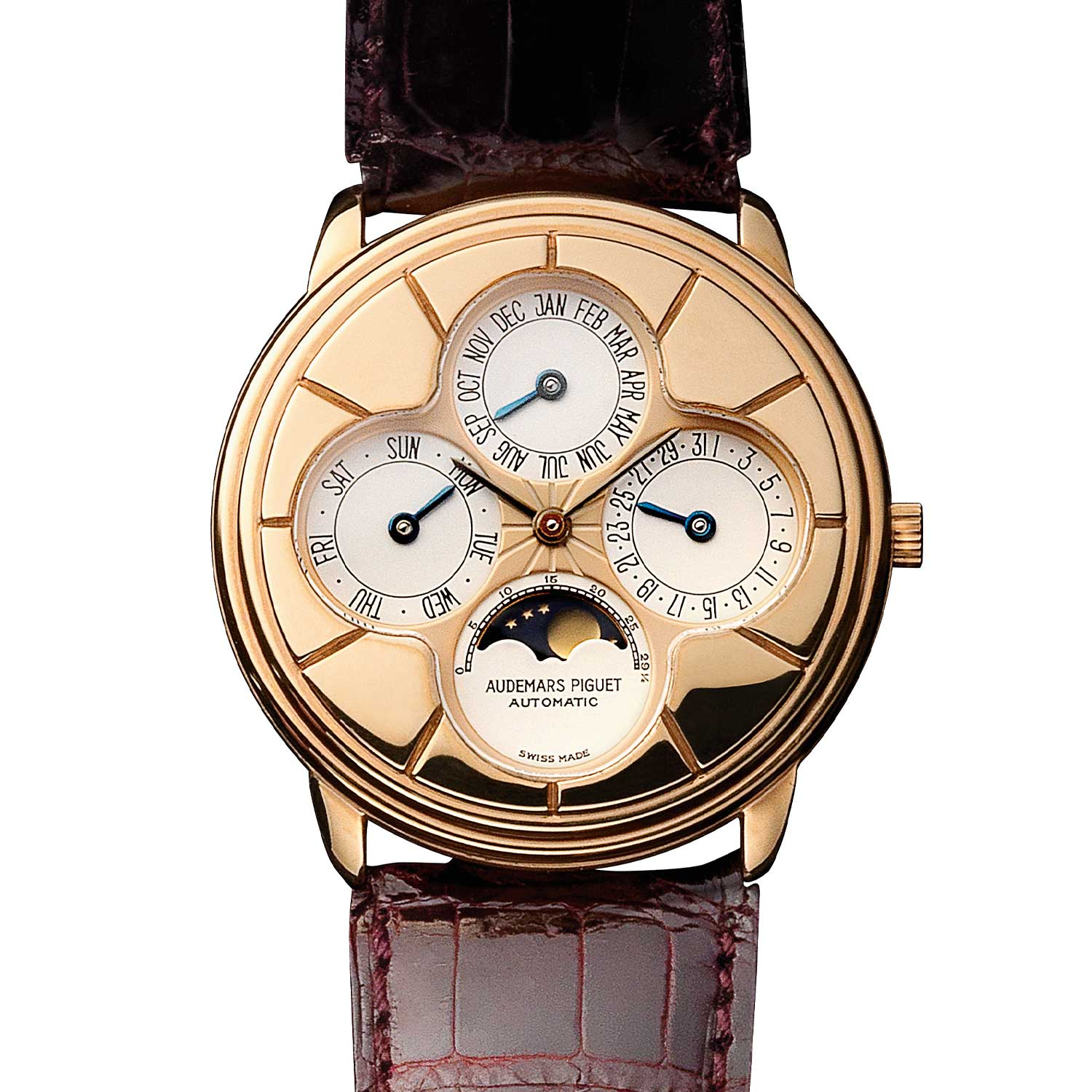 Perpetual calendar with a four-leaf clover dial. Model 25681OR (123 examples, of which 28 in pink gold). Movement No 324681, case No C66276. Calibre 2120/2800. Movement made in 1989, watch sold in 1990. Audemars Piguet Heritage Collection, Inv. 776.
