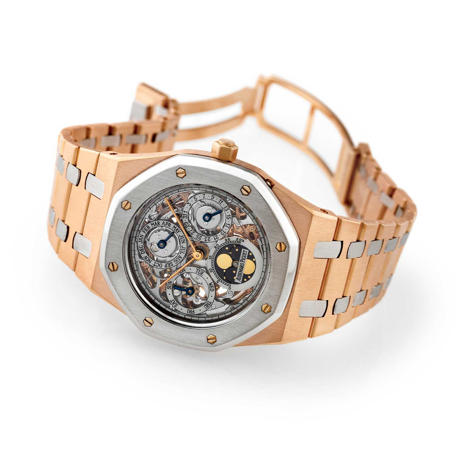 Audemars Piguet Royal Oak Quantième Perpétuel Automatique, ref. 25636RP, made in a limited edition of only 25 pieces in 1993, sold in 1995; case and bracelet in an alternated combination of 18K pink gold and platinum (Image: antiquorum.swiss)