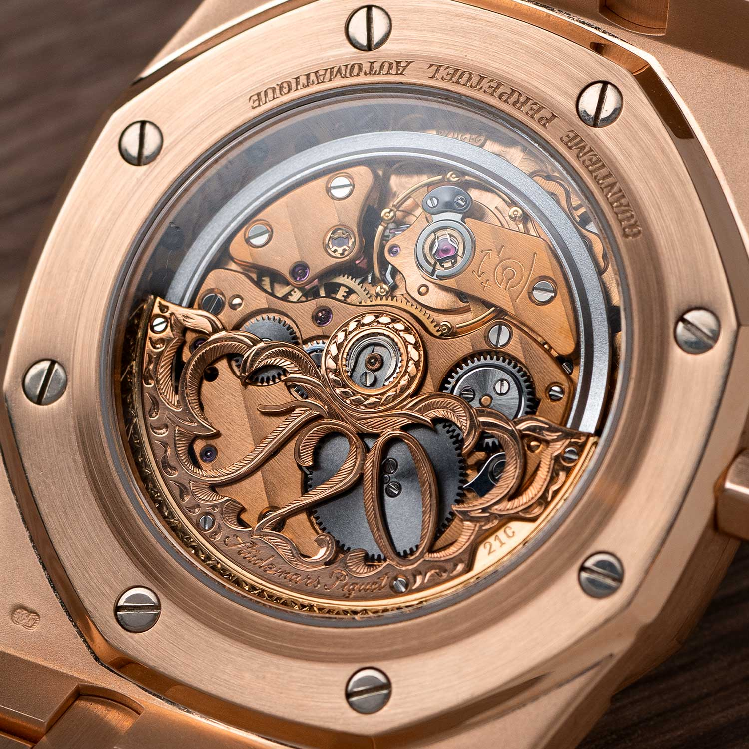 "On the rotor of the limited edition ref. 25810.OR.01: a lavish hand engraved decoration showcasing the numbers ""120"" in marking Audemars Piguet's 120th anniversary; the watch seen here is presently part of the Pygmalion Gallery's private collection (Image: Photo and watch, property of Pygmalion Gallery)"