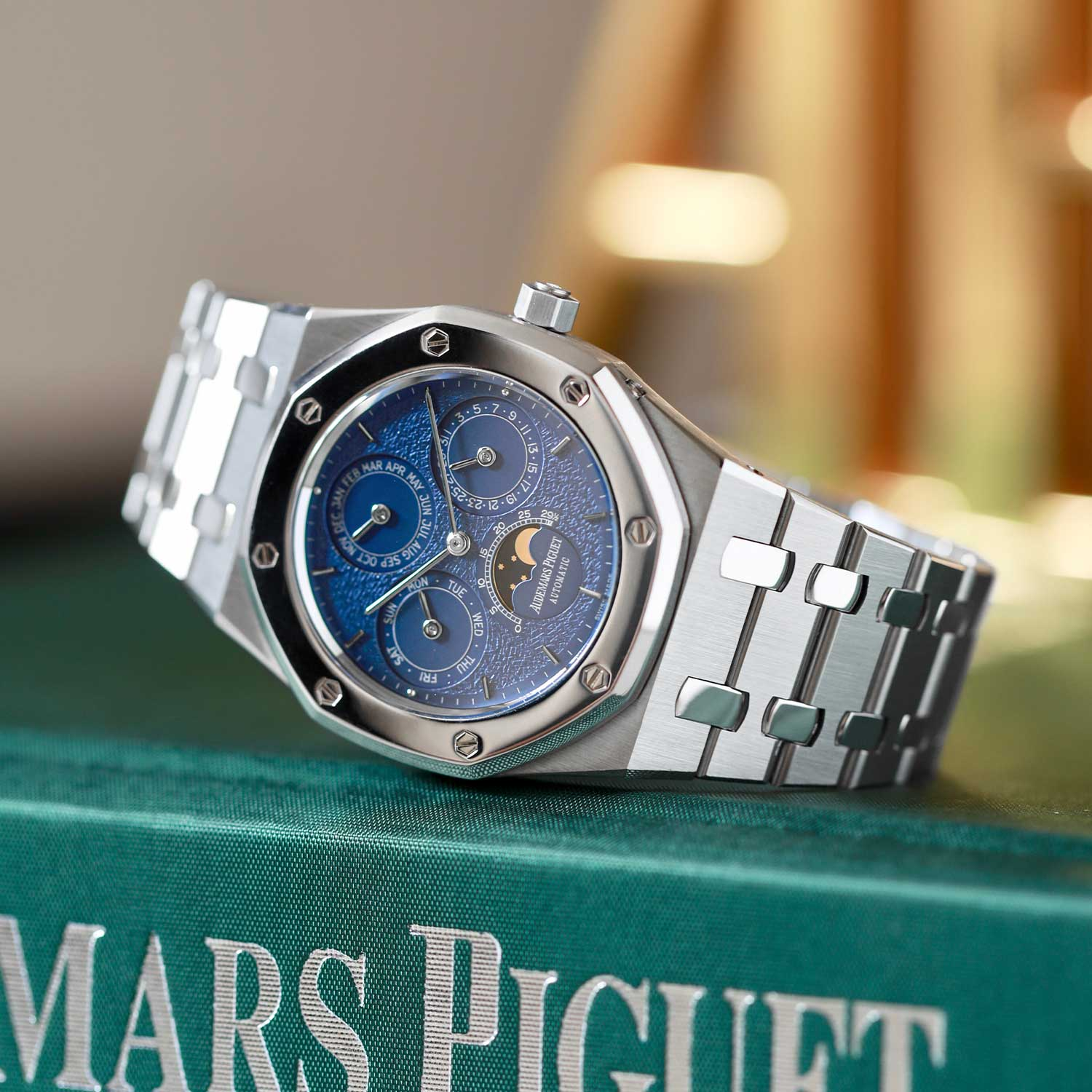 """The Royal Oak Perpetual Calendar ref. 25686SP, in steel and platinum with the ever so desirable """"Tuscan"""" dial; the watch seen here is presently part of the Pygmalion Gallery's private collection (Image: Photo and watch, property of Pygmalion Gallery)"""