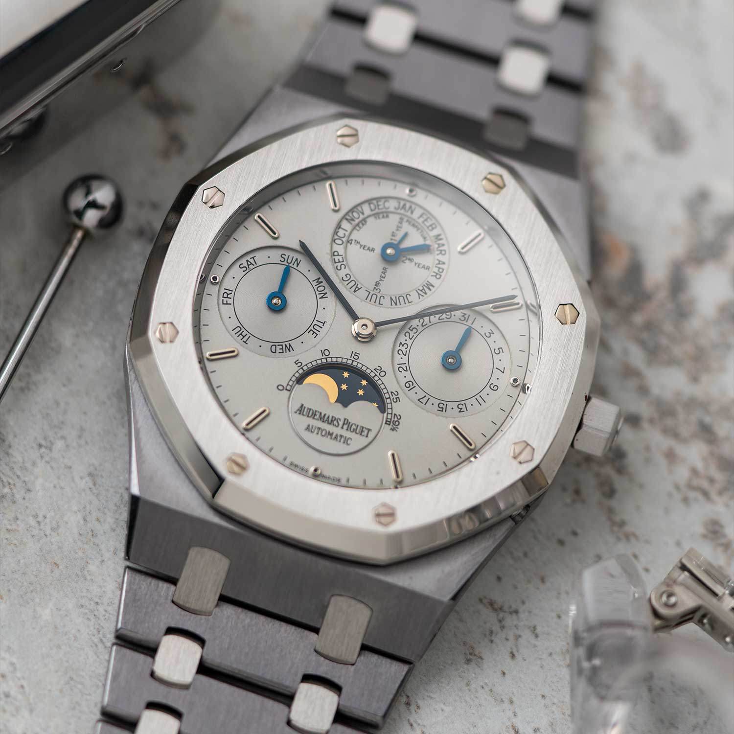 The Royal Oak Perpetual Calendar ref. 25820PT, in platinum plain non-tapiserrie dial; the watch seen here is presently part of the Pygmalion Gallery's private collection (Image: Photo and watch, property of Pygmalion Gallery)