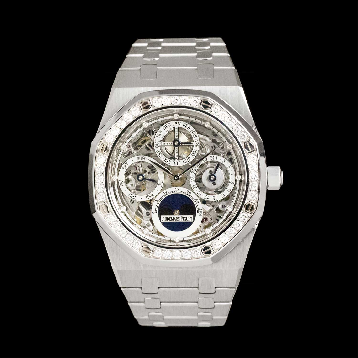 The Royal Oak Perpetual Calendar ref. Ref 25930PT with a skeleton dial (Image: amsterdamvintagewatches.com)