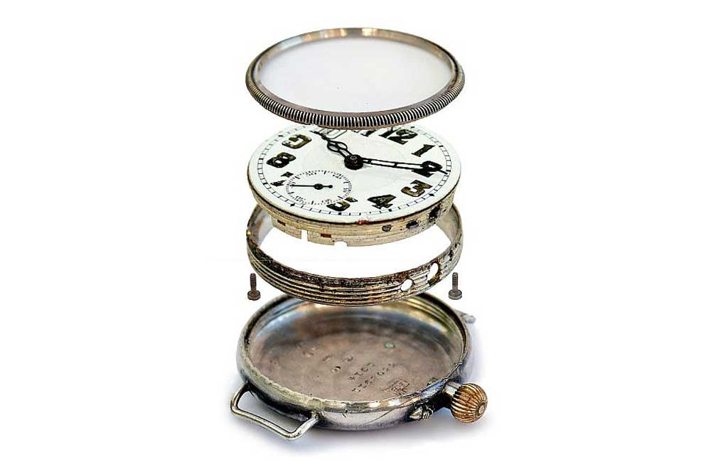 In 1891, Borgel was awarded a patent for a dust- and waterproof one-piece, screw-in watch case.