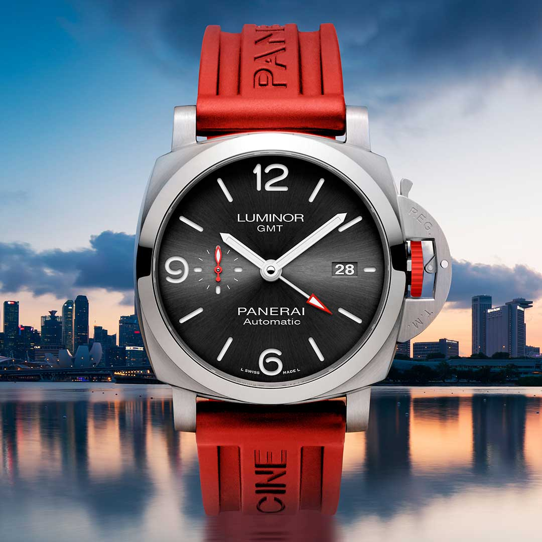 The Panerai Luminor GMT ION Special Edition – 44mm (PAM01177) on a red Caoutchouc strap, a first in terms of color on an official Panerai strap