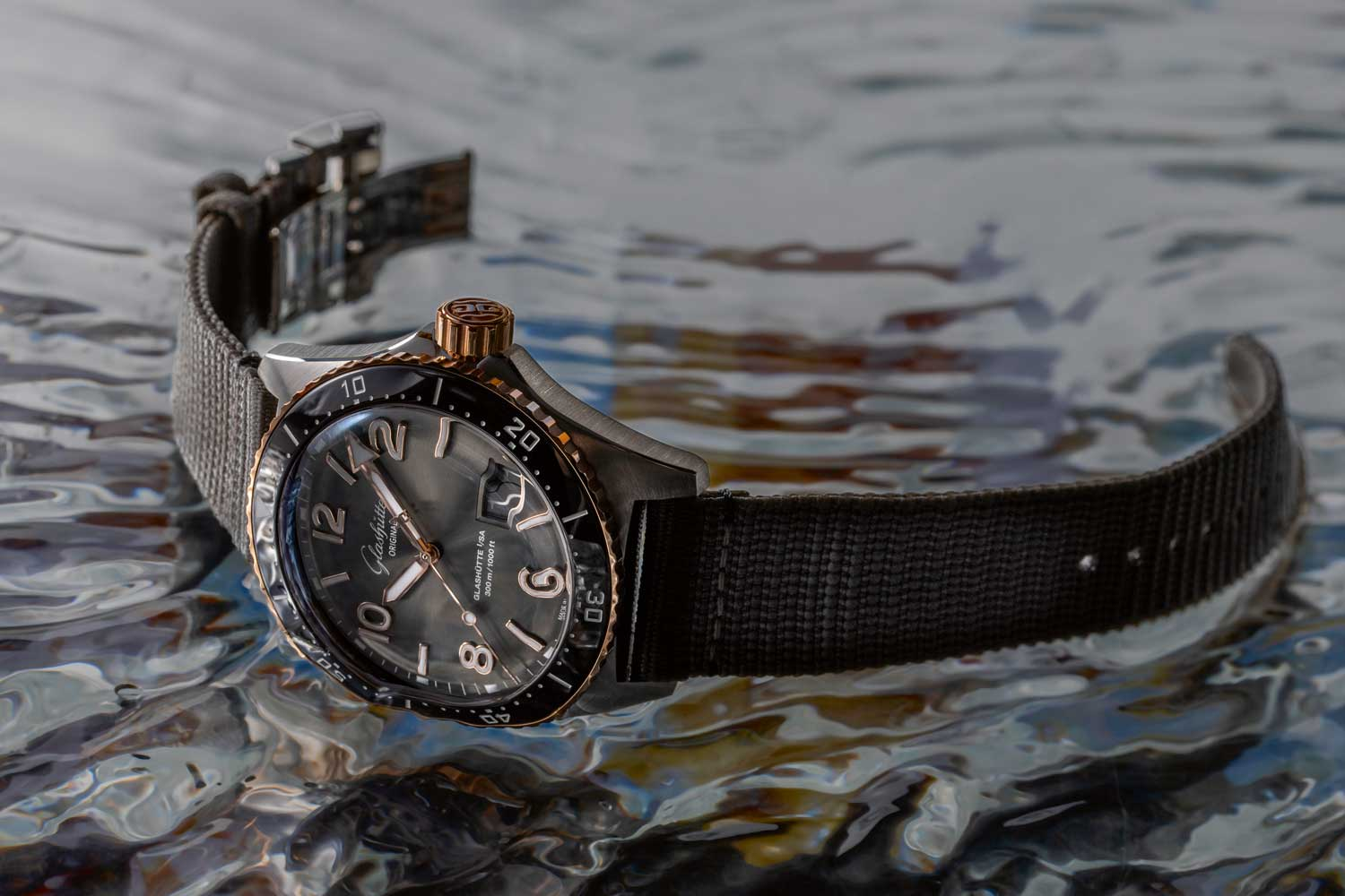 The SeaQ Panorama Date mixes red gold with steel for a serious dive watch that's not afraid of some sporty yet glamorous sophistication. (©Revolution)