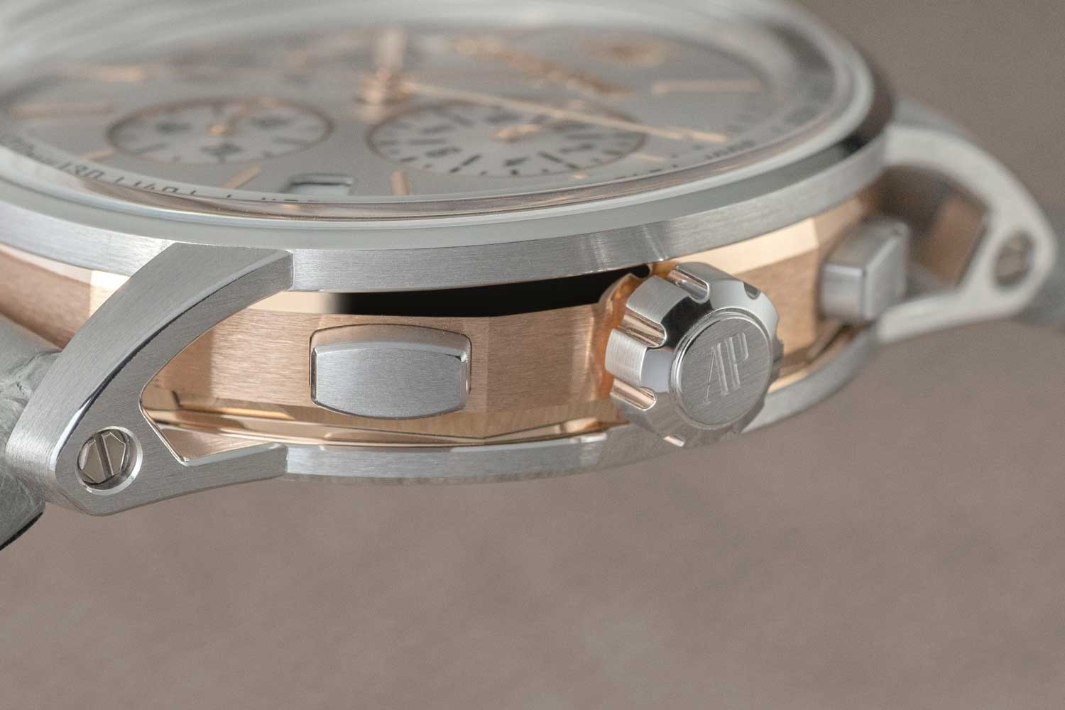 The octagonal caseband on Code 11.59 by Audemars Piguet timepieces is about the height of the complete case of the original 5204 Royal Oak and finished with a fine brushing, its edges are beveled and poslished (©Revolution)