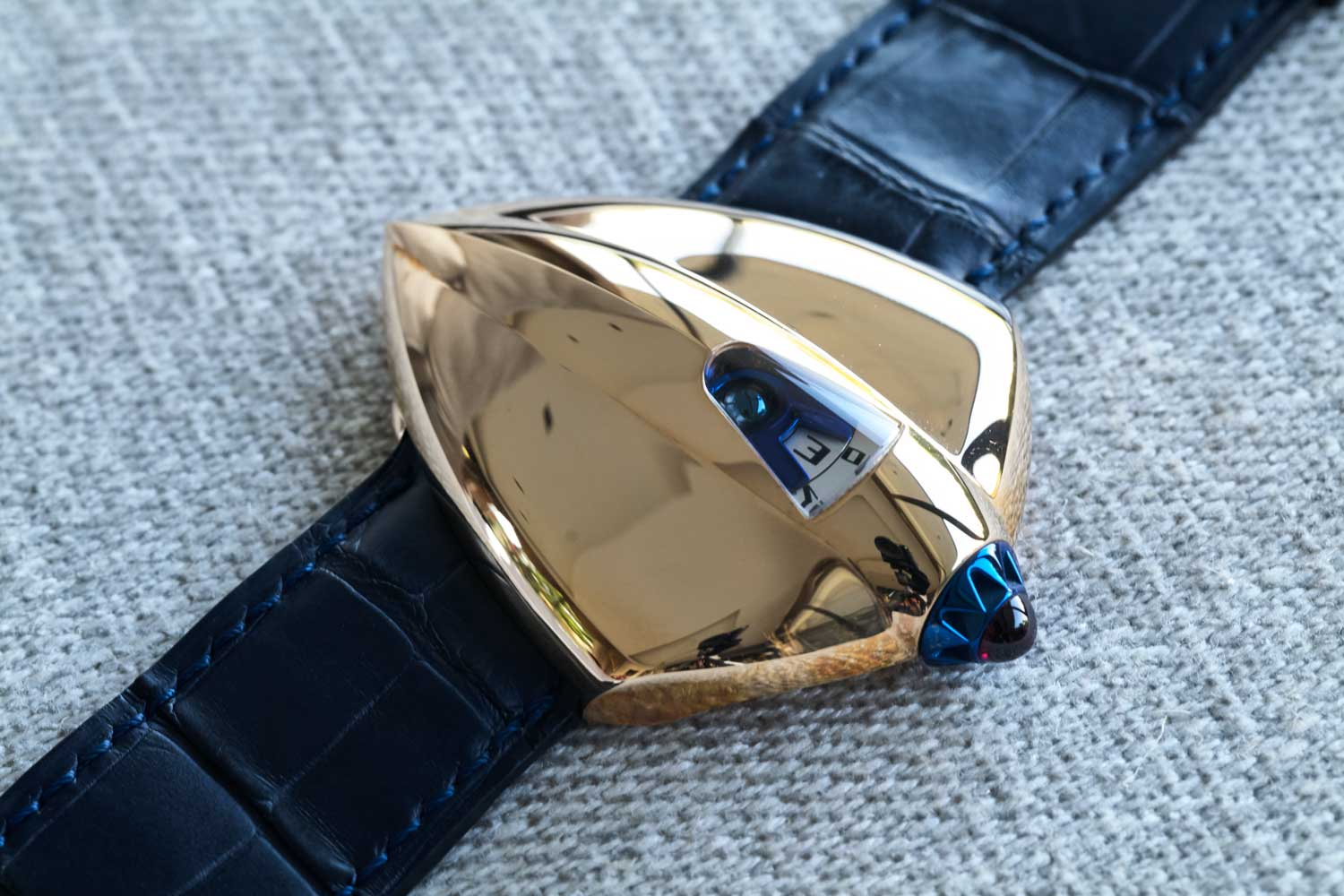 Santa Laura's unique De Bethune Dream Watch 5 (©Revolution)