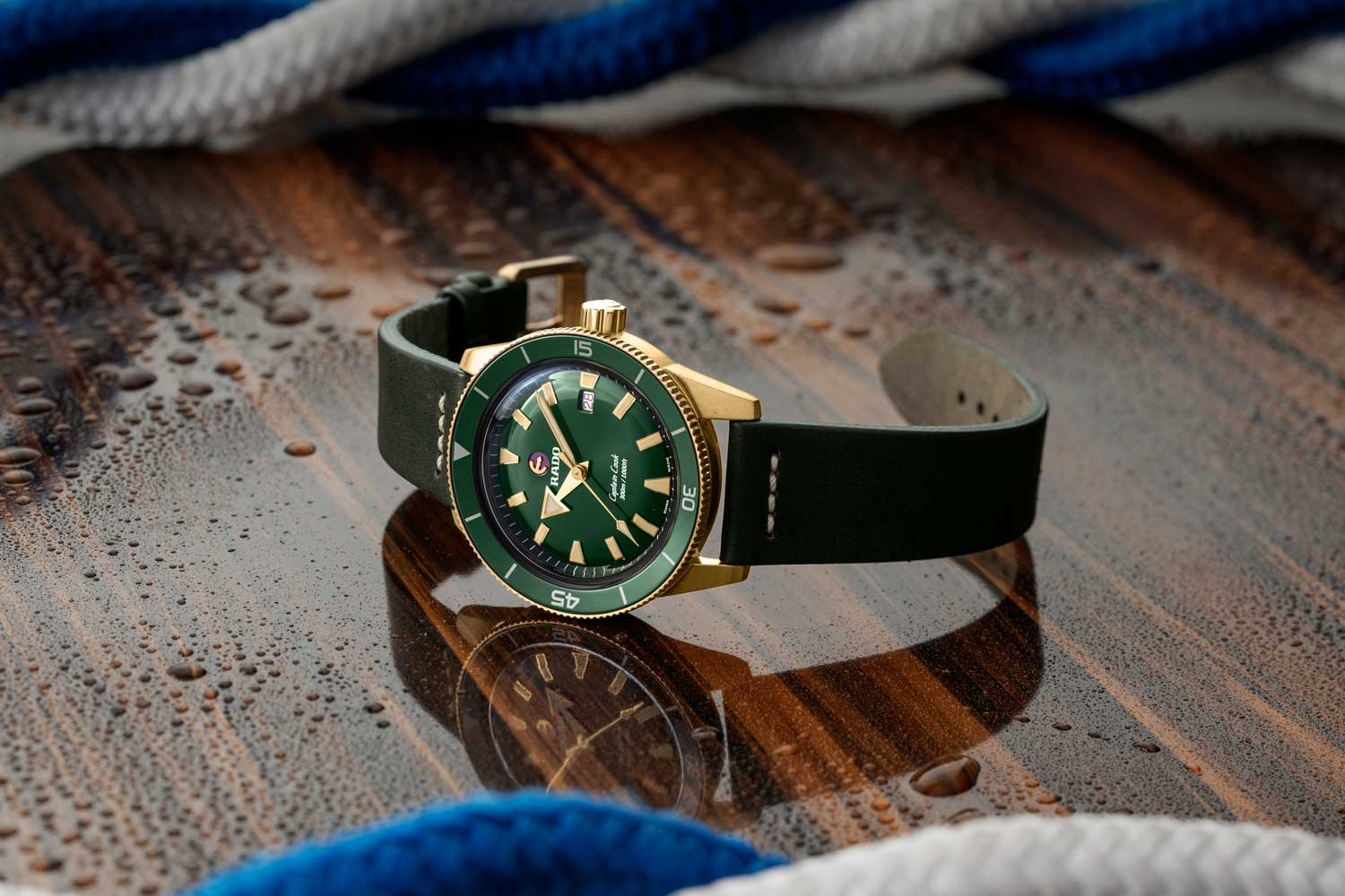 The Captain Cook Bronze in green with matching ceramic bezels and leather straps (©Revolution)