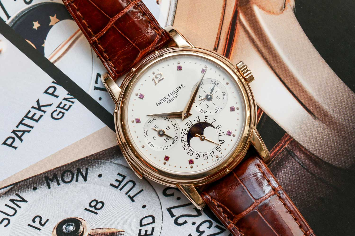 Possibly unique Patek Philippe ref. 3974R fitted with a ruby-set dial (©Revolution)