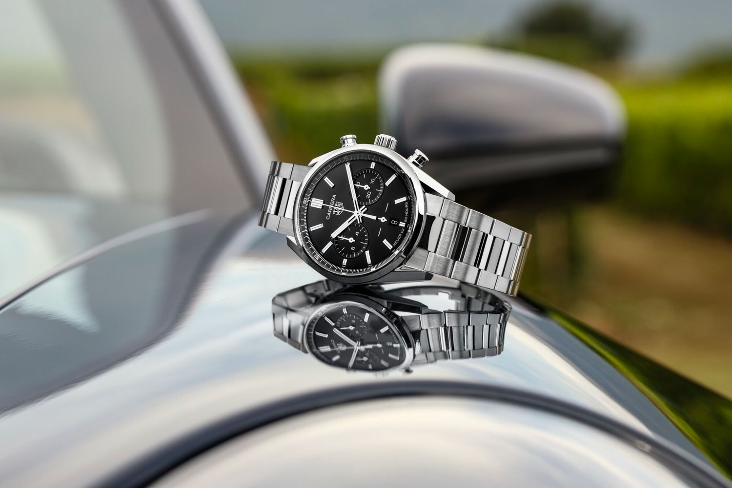The TAG Heuer Carrera Chronograph 42 mm Calibre Heuer 02 Automatic, seen here with the black dial, fitted on the stainless-steel H-shaped bracelet
