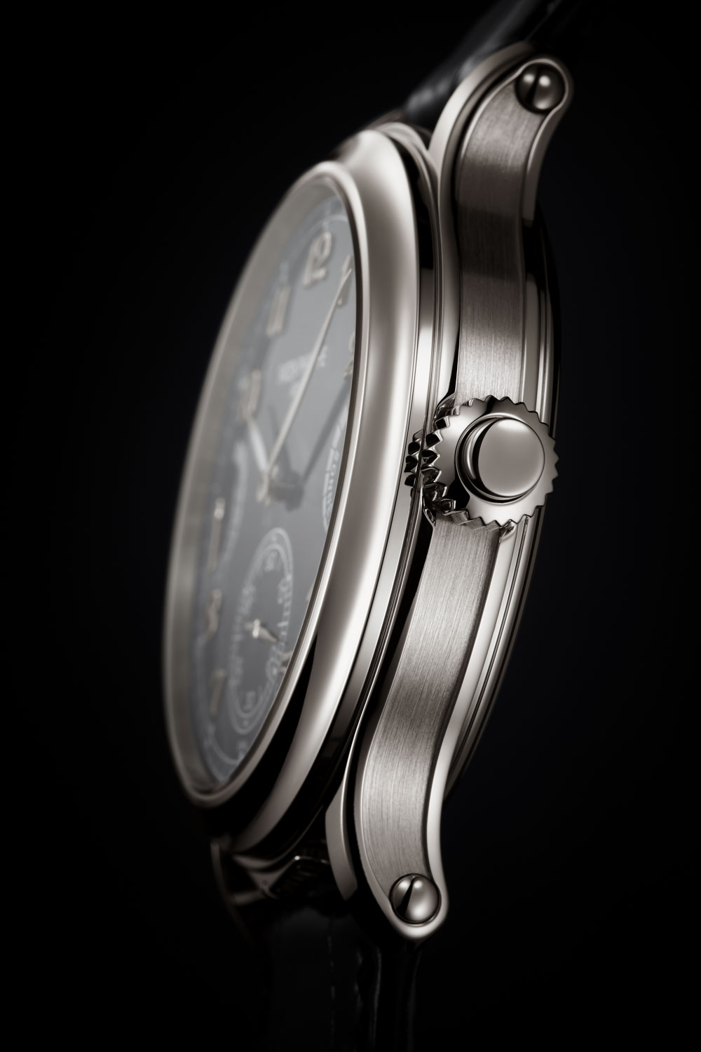 The 2020 Patek Philippe Ref. 6301P Grande Sonnerie's absolute zen-like focus on being the best grande sonnerie in the game, is reflected in its pure, sober and wonderfully elegant design