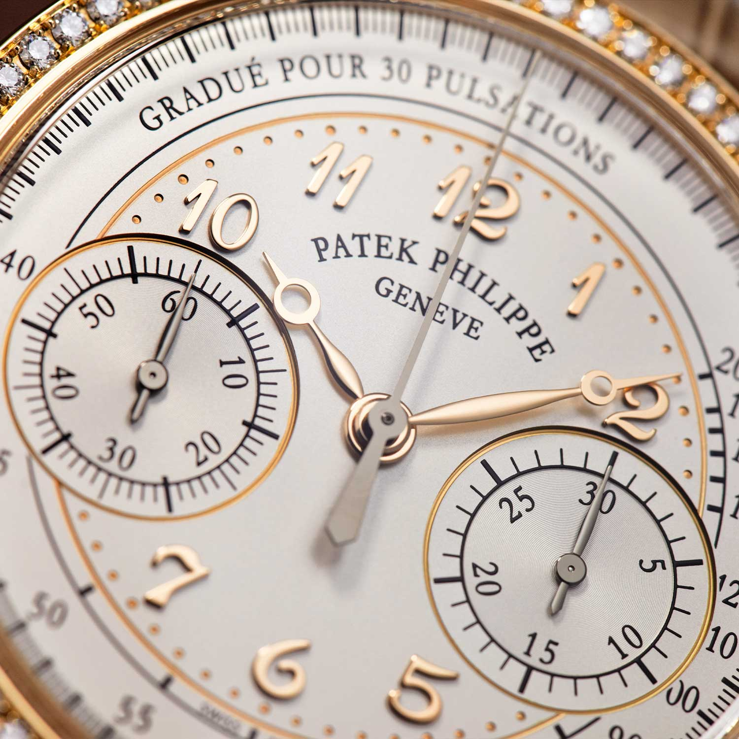 A closer look at the dial of the Ref. 7150-250R-001 with the pulsation scale, applied Breguet Numerals and Breguet hands