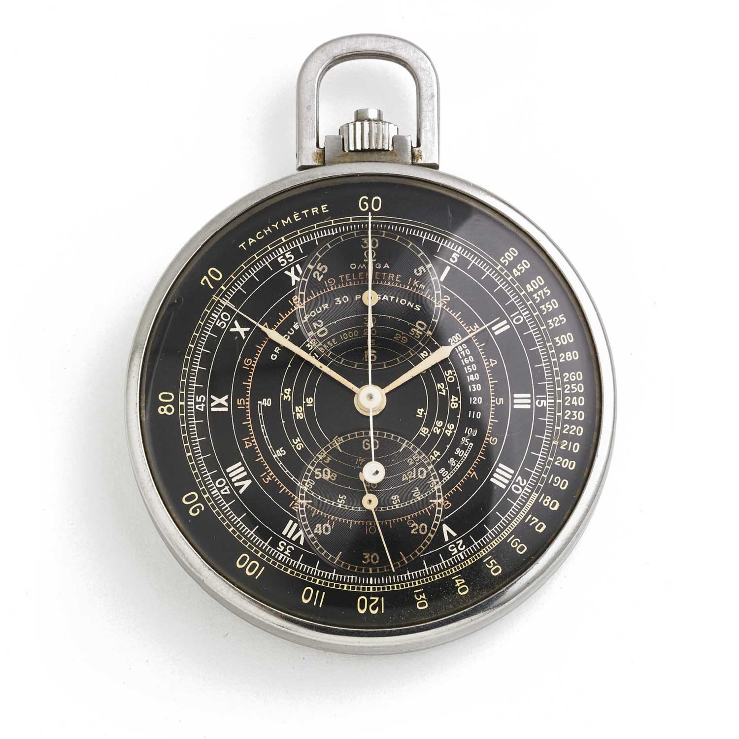 A multi-scale Omega monopusher chronograph ref. 1067 from the 1940s, powered by the Calibre 39 CHRO (Image: bruun-rasmussen.dk)