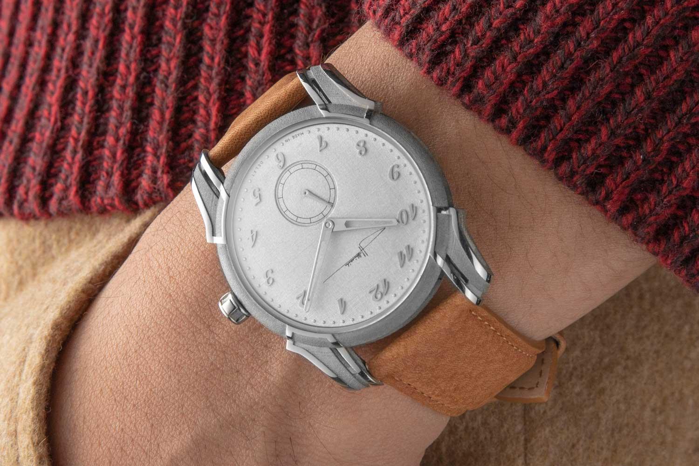The Holthinrichs Brutal Elegance Ornament for Revolution on the wrist (©Revolution)