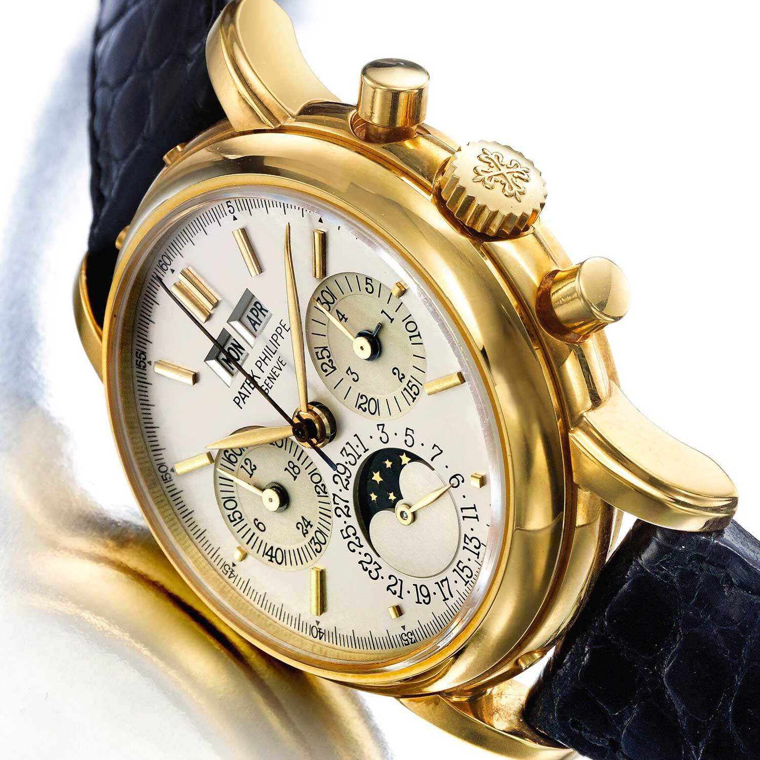 Launched in 1985 by Patek Philippe, the 3970 perpetual calendar chronograph marked the return of the Lemania 2310/2320, now elevated to the highest rung of watchmaking, seen here is a first series 3970, exclusively made in yellow gold with baton hour markers, most easily identified by its snap caseback that meant that this watch was not water-resistant to any degree (Image: sothebys.com)