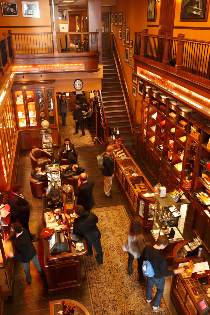 Inside the Nat Sherman Townhouse in New York City (Wikimedia Commons)