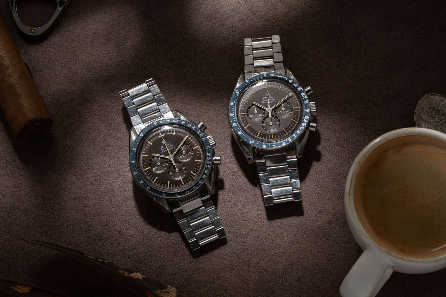 Two examples of the Chocolate Speedmaster ST 145.022-69 (©Revolution)