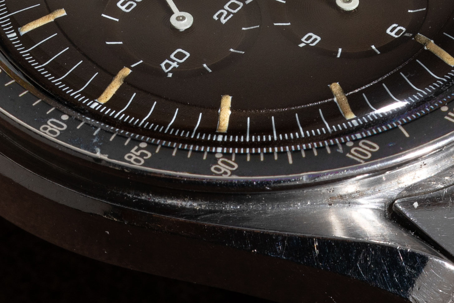 A closer look at the Chocolate Speedmaster ST 145.022-69 from the Temple of Speed with a DON bezel (©Revolution)