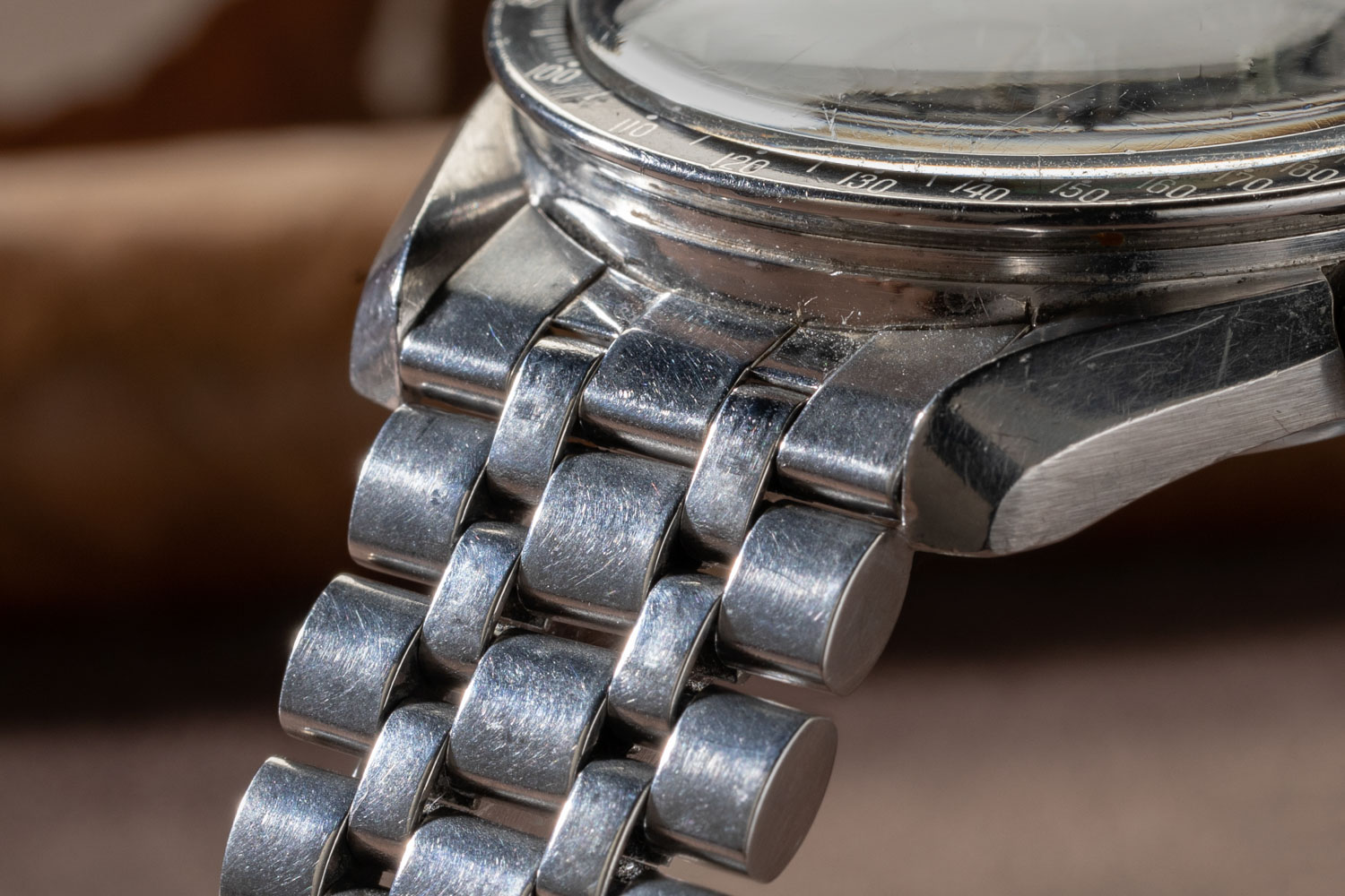 A closer look at the a Holzer bracelet on Revolution's Speedmaster Reference 145.012-67 Ultraman (Los Hombre Ultra), acquired from the Davidoff Brothers (©Revolution)