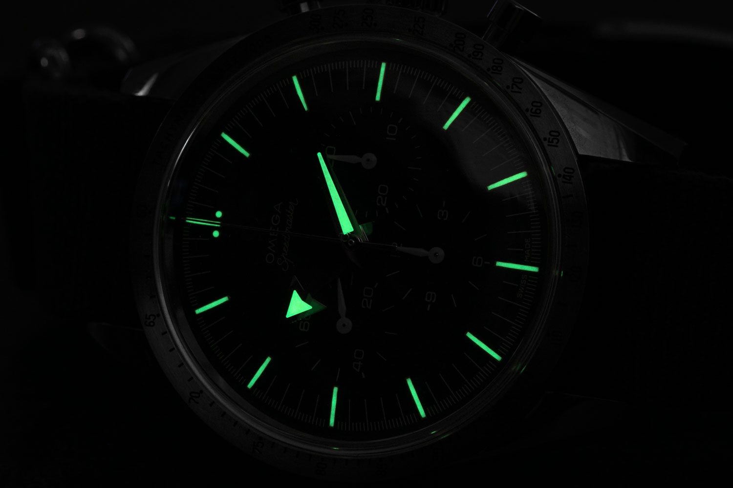 Lume shot of the 2017 Omega Speedmaster '57 Chronograph from the 1957 Trilogy (©Revolution)