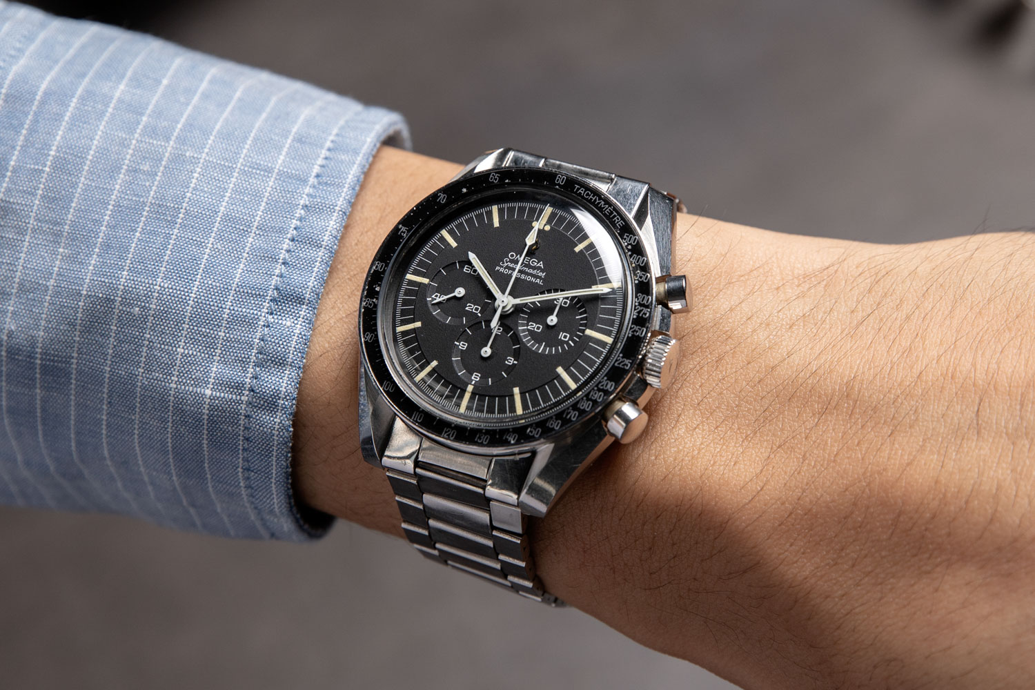 A ref. ST 105.012-67, seen here in a Le Centrale Boites case, one of the two case makers used by Omega for the Speedmaster at this time (©Revolution)
