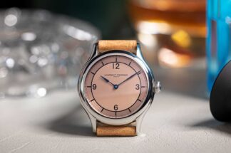 The Laurent Ferrier Steel Galet Micro-Rotor Salmon Dial pièce unique for Revolution, features an Automn (salmon, in Laurent Ferrier Speak and is powered by the self-winding FBN 229.01 micro-rotor movement which has a double direct impulse on the balance, an exclusive double direct-impulse escapement in silicon directly incorporated into the balance (©Revolution)