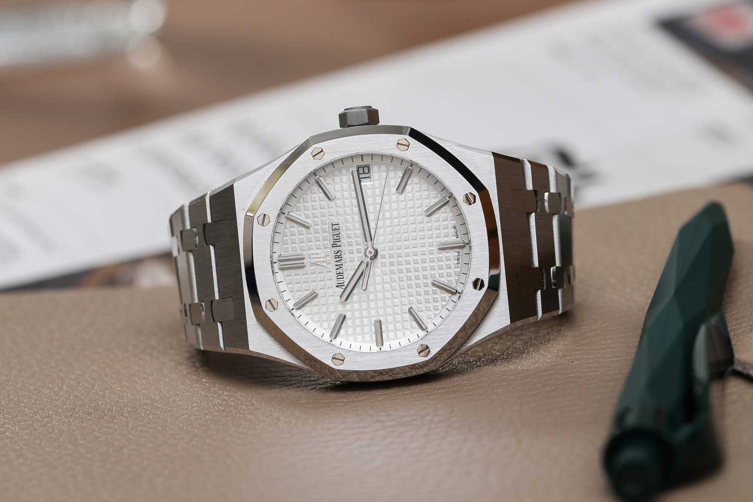 The Royal Oak ref. 15500ST in steel with white dial. (©Revolution)