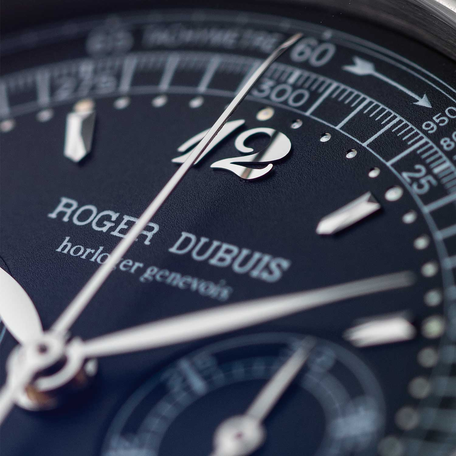 Close up of the applied Breguet numerals on Wei Koh's H40 (Image: Tom Chng).
