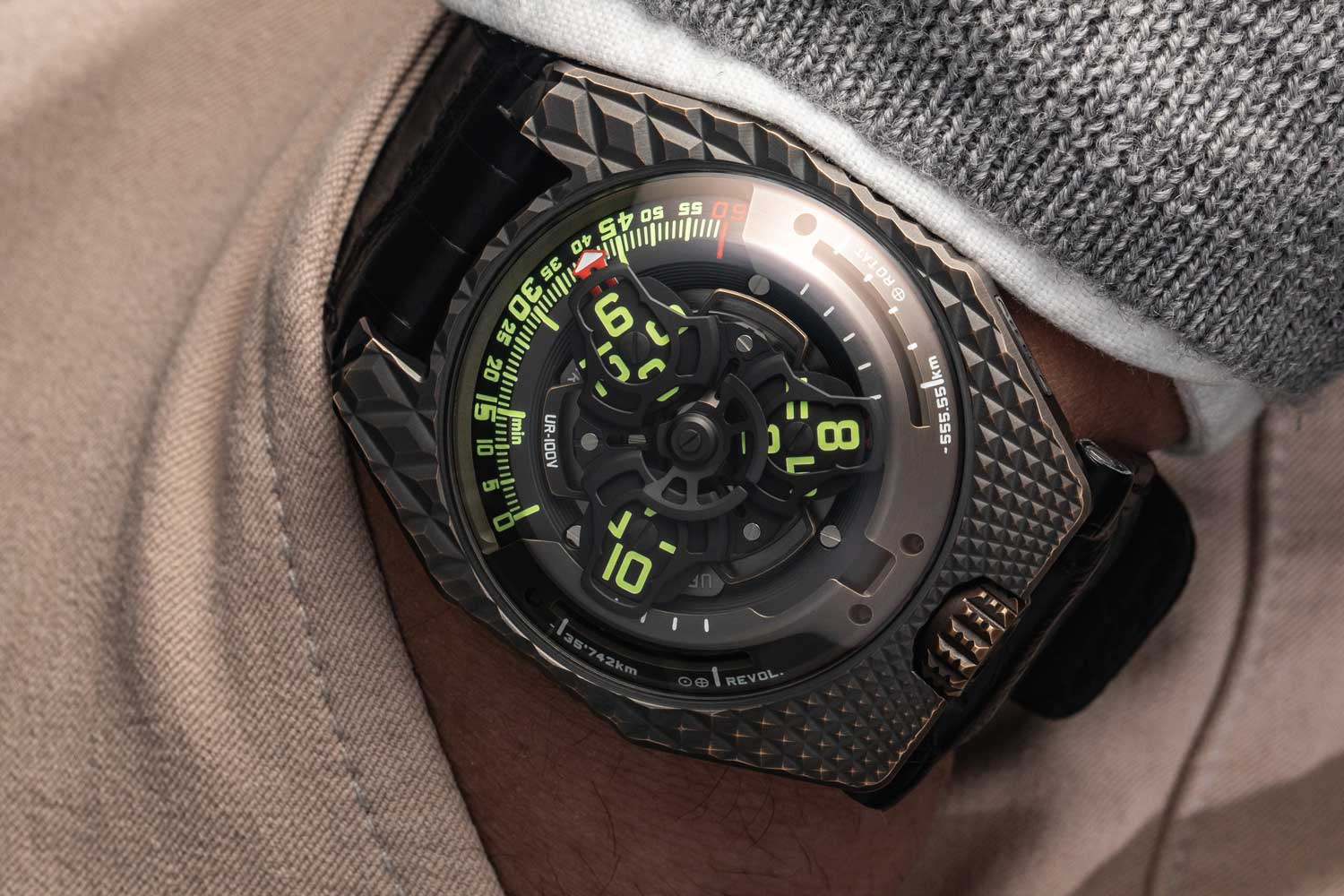 The URWERK UR-100V T-Rex (Limited edition of 22 pieces)