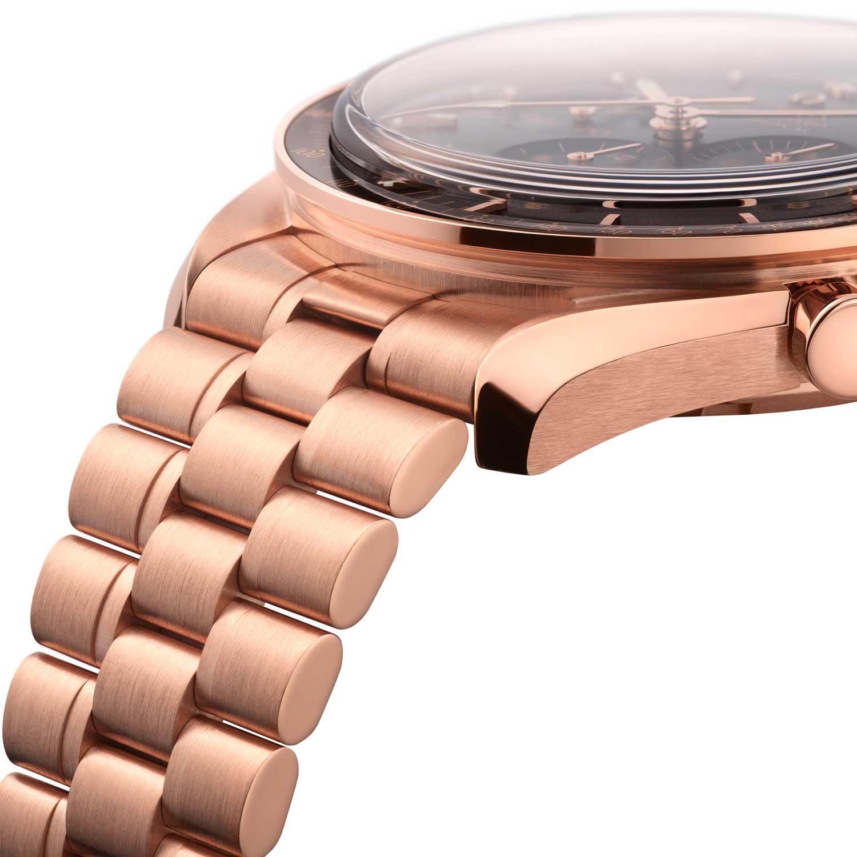 Solid Sedna™ gold bracelet on the Sedna™ gold 2021 Speedmaster