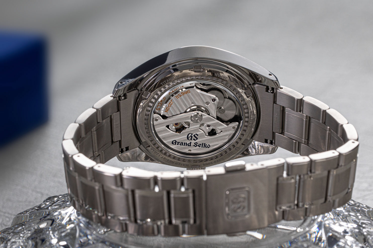 The Grand Seiko 'Snowflake' SBGA211 is powered by the automatic Spring Drive 3-Day Caliber 9R65 (©Revolution)