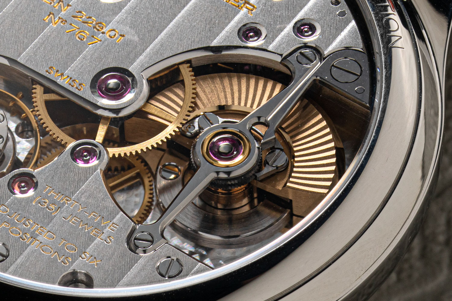 The mirror polished bridge of the FBN 229.01 mirco rotor, fashioned to look like the bridges used for tourbillons in classical watchmaking (©Revolution)