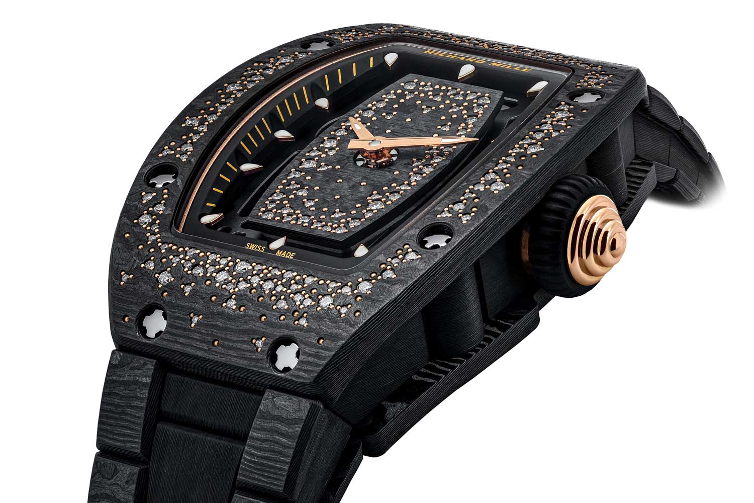 Dressed up with 181 diamonds, the Carbon TPT® case of this timepiece demonstrates the brand's exceptional skills in stone-setting.