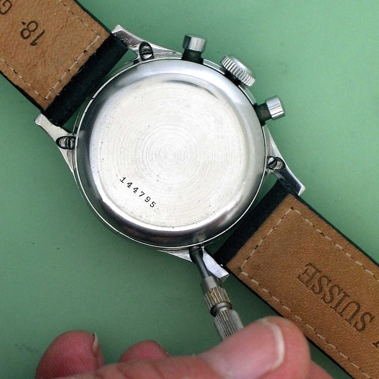 """The """"Clamshell"""" case was first seen in a series of waterproof chronographs made by Gallet. These watches were recognised by the presence of four screws on the casebacks, located at the base of the lugs."""