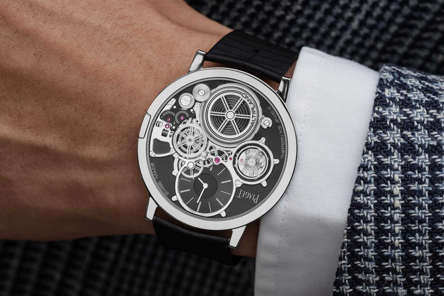 The case and mainplate of the Piaget Altiplano Ultimate Concept are one uniform piece crafted from an ultra-rigid cobalt alloy (the technical name of the alloy: M64BC) which offers the perfect stability to a suspended gear train (©Revolution)