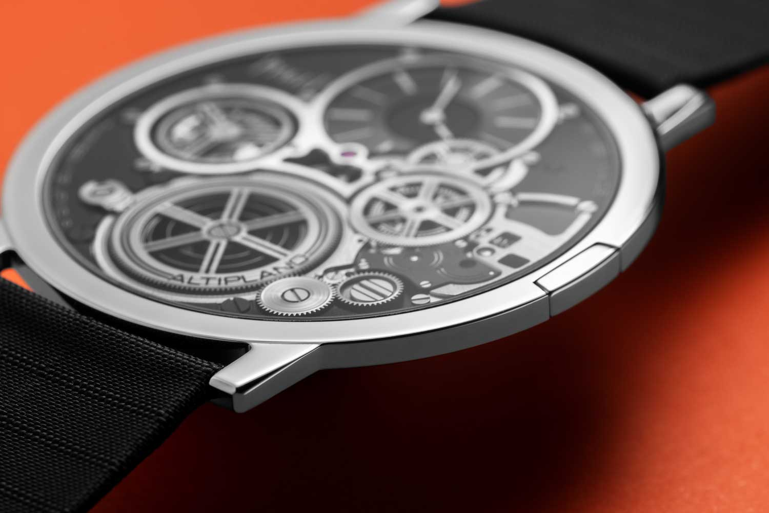 The 2mm thick Piaget Altiplano Ultimate Concept's sapphire crystal is 0.2mm in thickness which is 5 times thinner than a normal sapphire crystal and fitted directly to the case with aerospace glue as there is no bezel for the watch (©Revolution)
