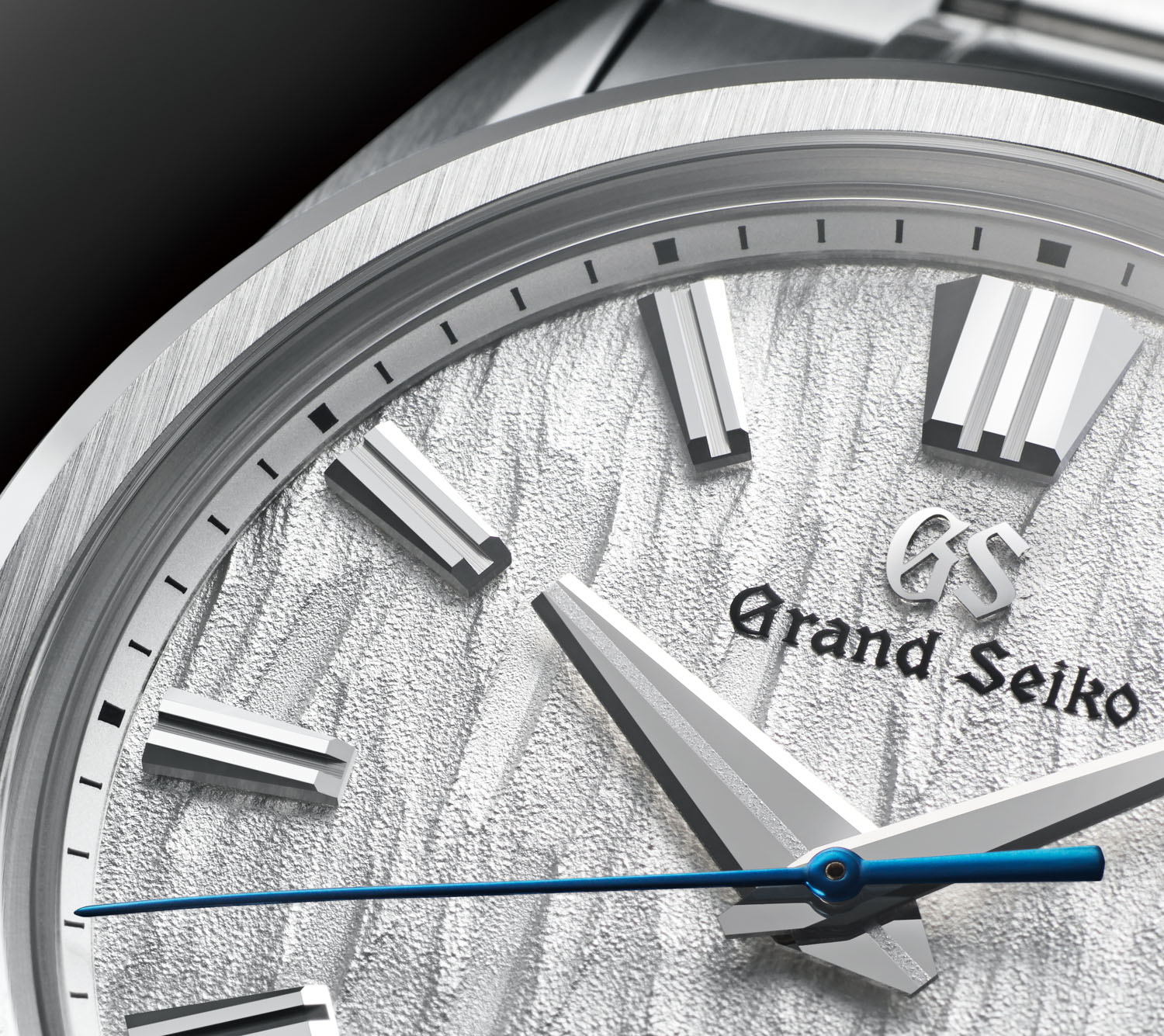 Heritage Collection Series 9 SLGH005 with its dial inspired by white birch trees that grow near the Grand Seiko Studio Shizukuishi in the northern part of Japan, where this watch is made