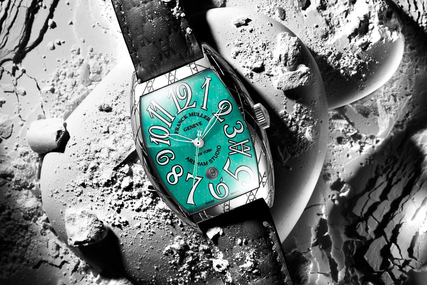 This special edition of the Franck Muller Casablanca will be available in five pieces, each one hand-engraved by master engraver King Nerd.